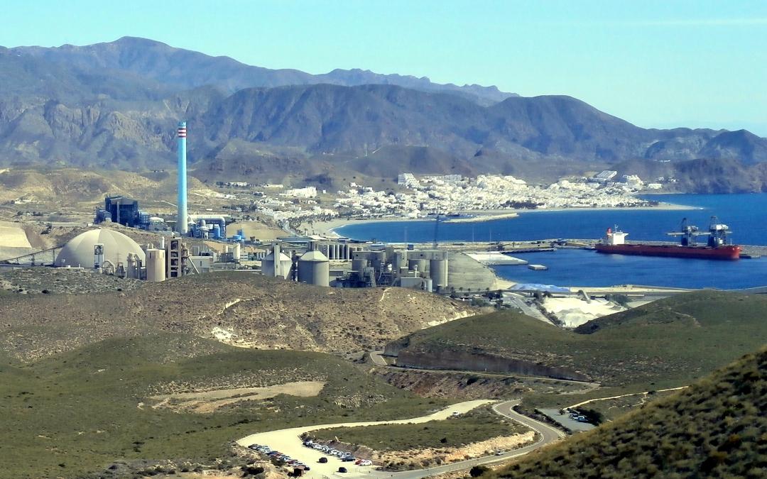 Carboneras se opone a la carga del mineral de Alquife desde su puerto